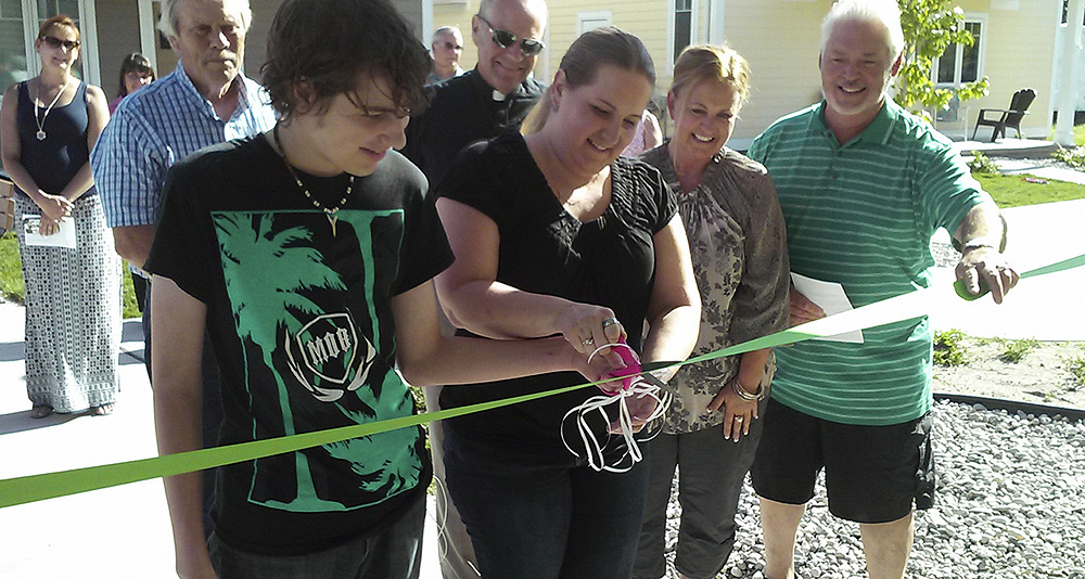 Broghamer family Ribbon Cutting